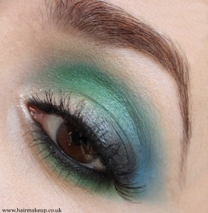 blue and green eyeshadow